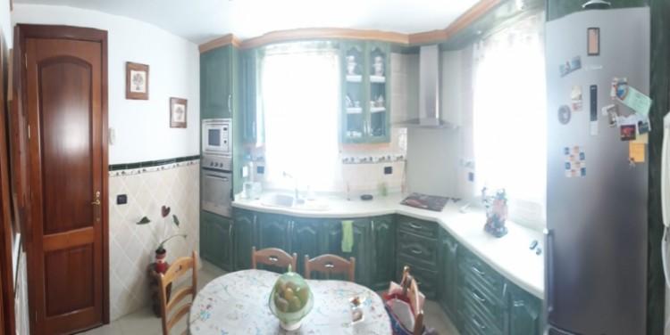 3 Bed  Villa/House for Sale, Playa de La Arena, Tenerife - SA-8034 9