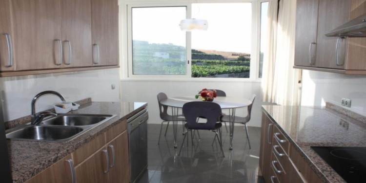3 Bed  Flat / Apartment for Sale, Playa de La Arena, Tenerife - SA-1573 12