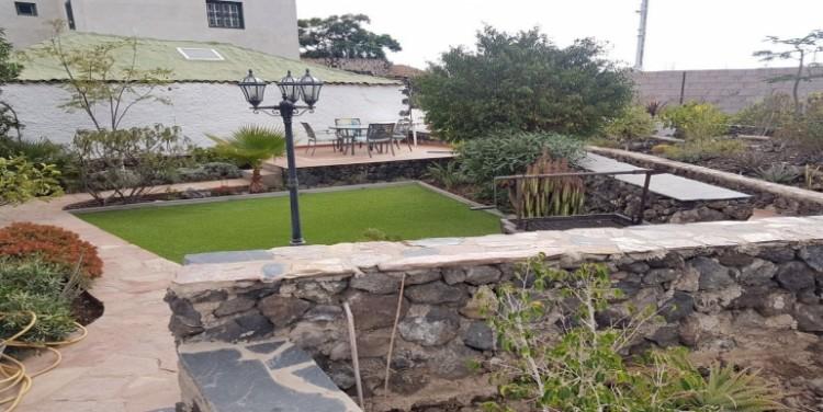 5 Bed  Villa/House for Sale, Guía de Isora, Tenerife - SA-8033 1
