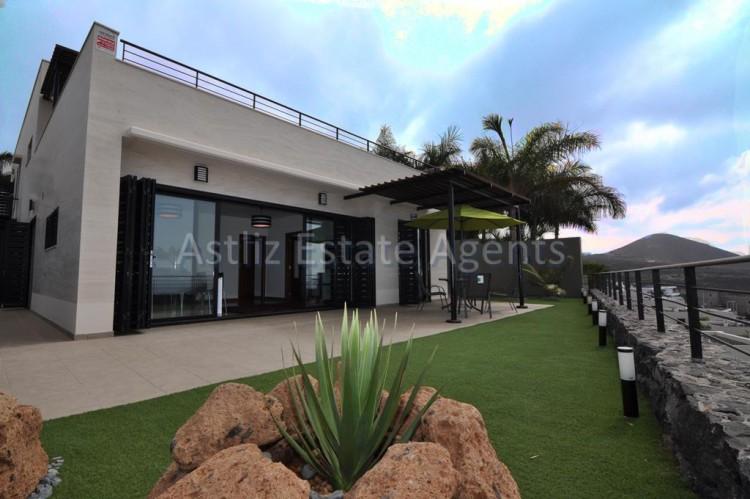 3 Bed  Villa/House for Sale, San Eugenio Alto, Adeje, Tenerife - AZ-1206 1
