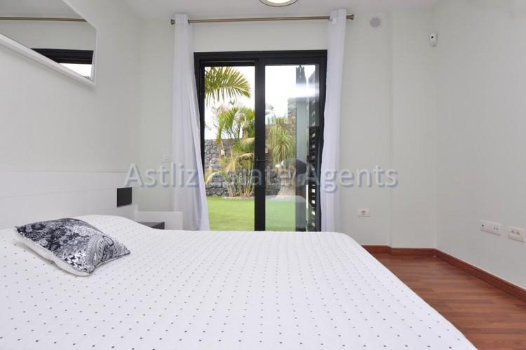 3 Bed  Villa/House for Sale, San Eugenio Alto, Adeje, Tenerife - AZ-1206 14