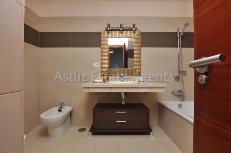 3 Bed  Villa/House for Sale, San Eugenio Alto, Adeje, Tenerife - AZ-1206 16