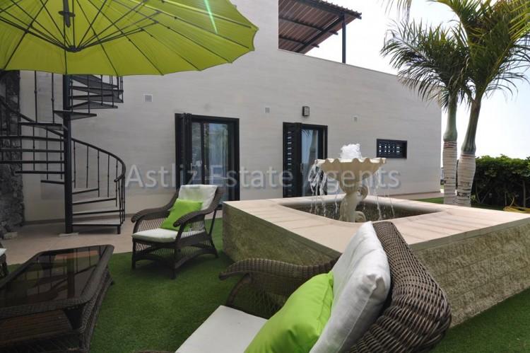 3 Bed  Villa/House for Sale, San Eugenio Alto, Adeje, Tenerife - AZ-1206 17