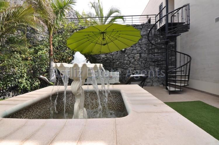 3 Bed  Villa/House for Sale, San Eugenio Alto, Adeje, Tenerife - AZ-1206 4