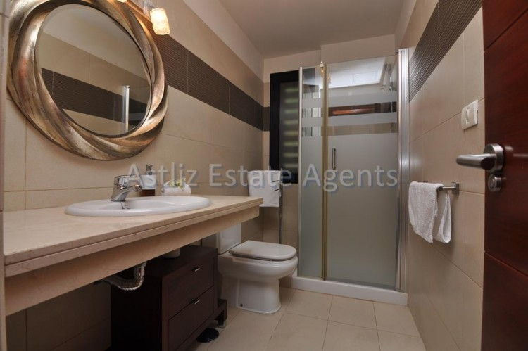 3 Bed  Villa/House for Sale, San Eugenio Alto, Adeje, Tenerife - AZ-1206 9