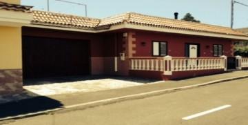 4 Bed  Villa/House for Sale, San José de Los Llanos, Tenerife - SA-5108