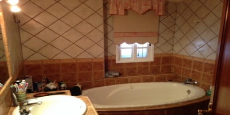 4 Bed  Villa/House for Sale, Las Manchas, Tenerife - SA-5103 14