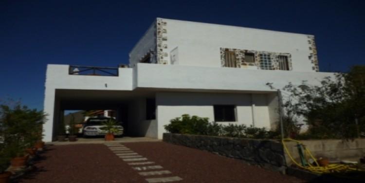 3 Bed  Villa/House for Sale, Vera de Erques, Tenerife - SA-5092 1