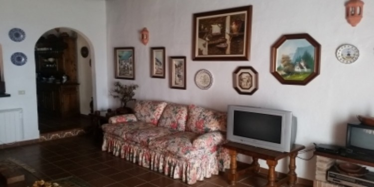 3 Bed  Villa/House for Sale, Puerto Santiago, Tenerife - SA-8027 15