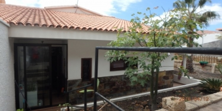 3 Bed  Flat / Apartment for Sale, San Isidro, Tenerife - SA-8029 7