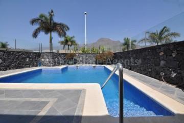 3 Bed  Villa/House for Sale, San Eugenio Alto, Adeje, Tenerife - AZ-1219