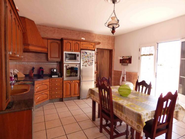 4 Bed  Villa/House for Sale, Teguise, Las Palmas, Lanzarote - DH-VPTVLTG4CA84-87 7