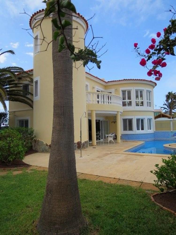 3 Bed  Villa/House for Sale, Corralejo, Las Palmas, Fuerteventura - DH-VVIC3EC31-117 1