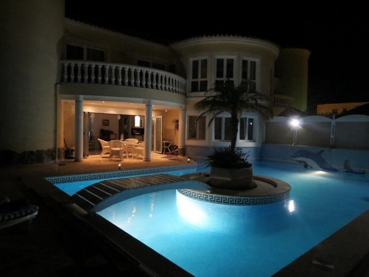 3 Bed  Villa/House for Sale, Corralejo, Las Palmas, Fuerteventura - DH-VVIC3EC31-117 2