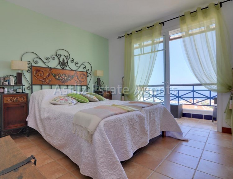 4 Bed  Villa/House for Sale, San Eugenio Alto, Adeje, Tenerife - AZ-1225 11