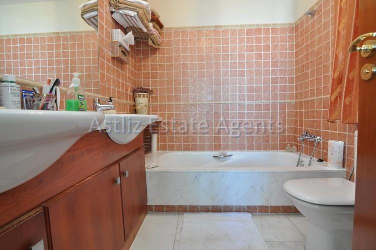 4 Bed  Villa/House for Sale, San Eugenio Alto, Adeje, Tenerife - AZ-1225 14