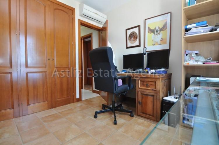 4 Bed  Villa/House for Sale, San Eugenio Alto, Adeje, Tenerife - AZ-1225 15