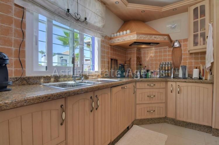 4 Bed  Villa/House for Sale, San Eugenio Alto, Adeje, Tenerife - AZ-1225 2