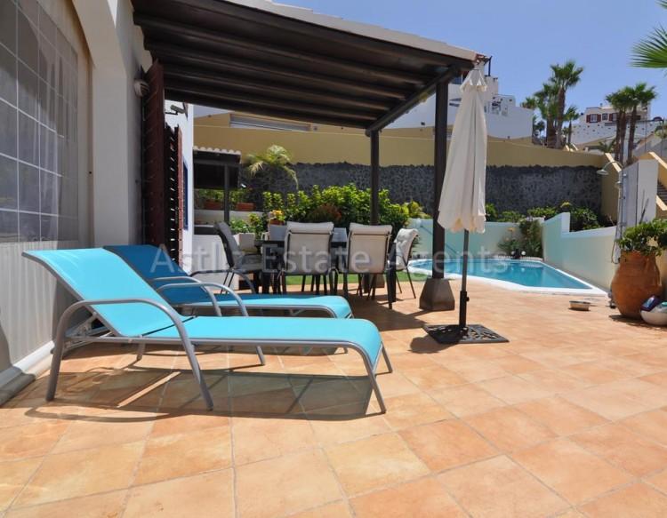 4 Bed  Villa/House for Sale, San Eugenio Alto, Adeje, Tenerife - AZ-1225 6