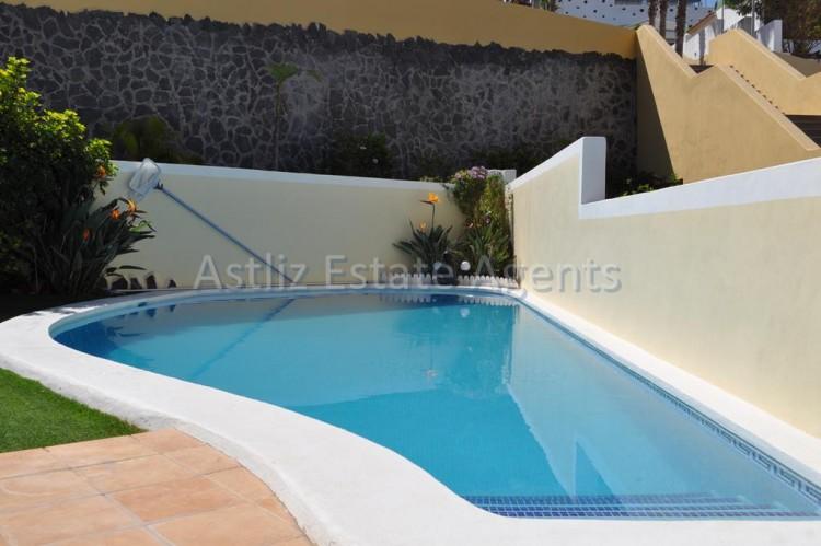 4 Bed  Villa/House for Sale, San Eugenio Alto, Adeje, Tenerife - AZ-1225 7