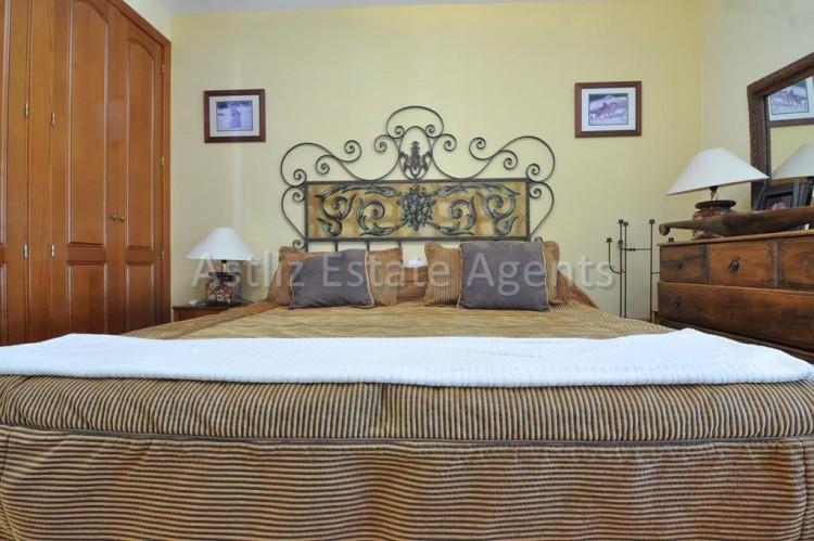 4 Bed  Villa/House for Sale, San Eugenio Alto, Adeje, Tenerife - AZ-1225 8