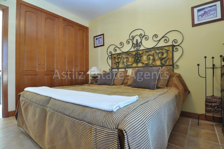4 Bed  Villa/House for Sale, San Eugenio Alto, Adeje, Tenerife - AZ-1225 9