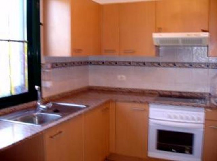 4 Bed  Villa/House for Sale, Llano del Camello, Tenerife - PG-d914 2