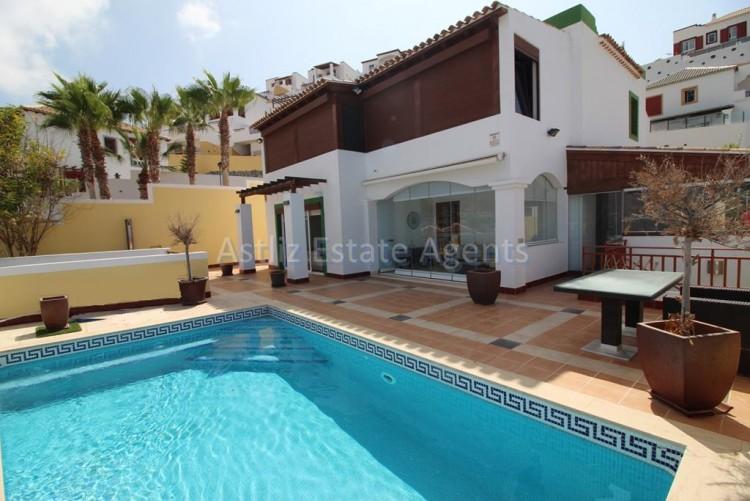 5 Bed  Villa/House for Sale, San Eugenio Alto, Adeje, Tenerife - AZ-1227 1