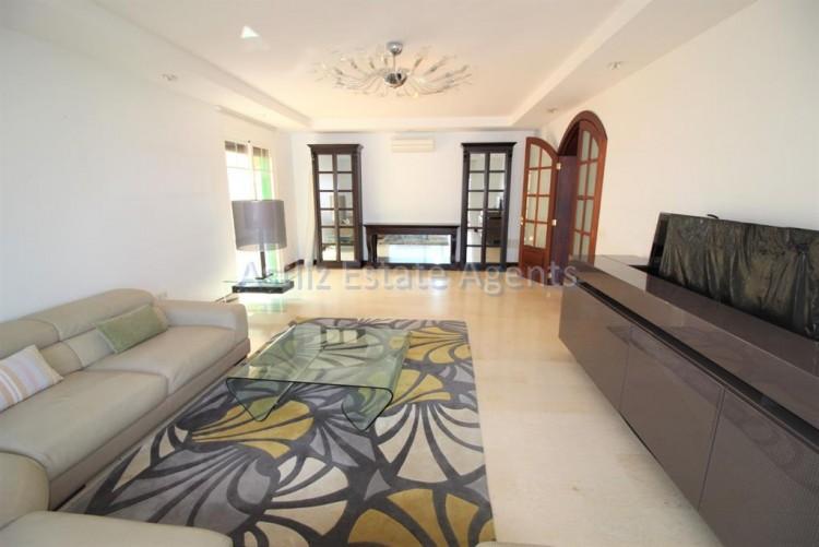 5 Bed  Villa/House for Sale, San Eugenio Alto, Adeje, Tenerife - AZ-1227 2