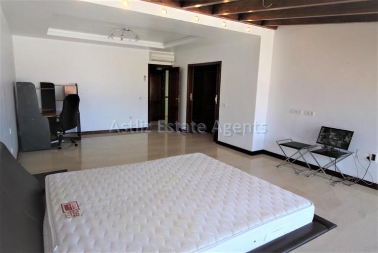 5 Bed  Villa/House for Sale, San Eugenio Alto, Adeje, Tenerife - AZ-1227 5