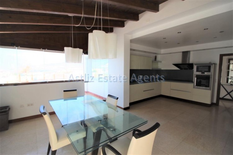 5 Bed  Villa/House for Sale, San Eugenio Alto, Adeje, Tenerife - AZ-1227 7