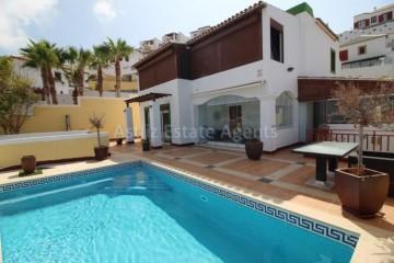 5 Bed  Villa/House for Sale, San Eugenio Alto, Adeje, Tenerife - AZ-1227