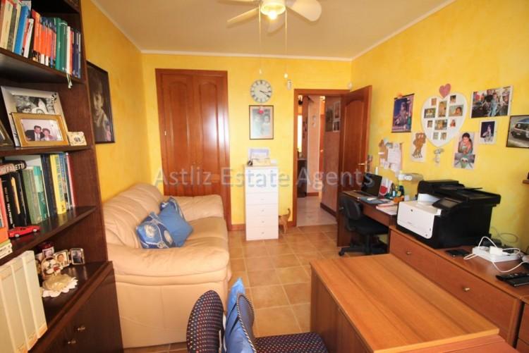 4 Bed  Villa/House for Sale, San Eugenio Alto, Adeje, Tenerife - AZ-1228 10