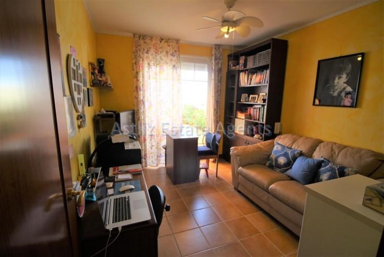 4 Bed  Villa/House for Sale, San Eugenio Alto, Adeje, Tenerife - AZ-1228 11