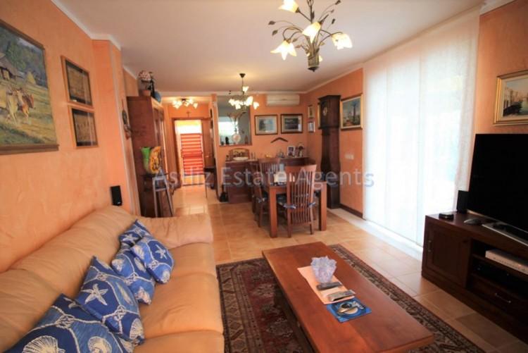 4 Bed  Villa/House for Sale, San Eugenio Alto, Adeje, Tenerife - AZ-1228 7