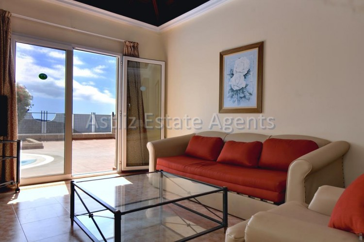 3 Bed  Villa/House for Sale, Chayofa, Arona, Tenerife - AZ-1229 2