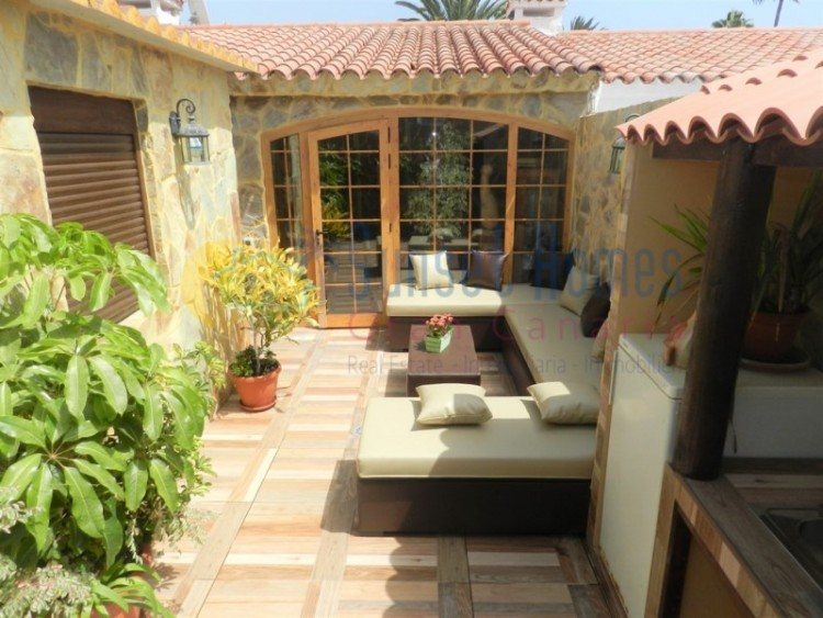 3 Bed  Villa/House for Sale, Playa del Inglés, San Bartolomé de Tirajana, Gran Canaria - SH-1124S 1