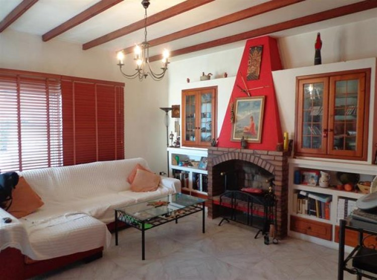4 Bed  Villa/House for Sale, Candelaria, Tenerife - PG-D1614 3
