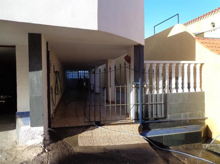 4 Bed  Villa/House for Sale, Candelaria, Tenerife - PG-D1614 9