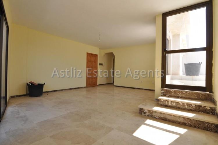 4 Bed  Flat / Apartment for Sale, Puerto De Santiago, Santiago Del Teide, Tenerife - AZ-1237 12
