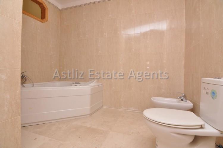 4 Bed  Flat / Apartment for Sale, Puerto De Santiago, Santiago Del Teide, Tenerife - AZ-1237 18