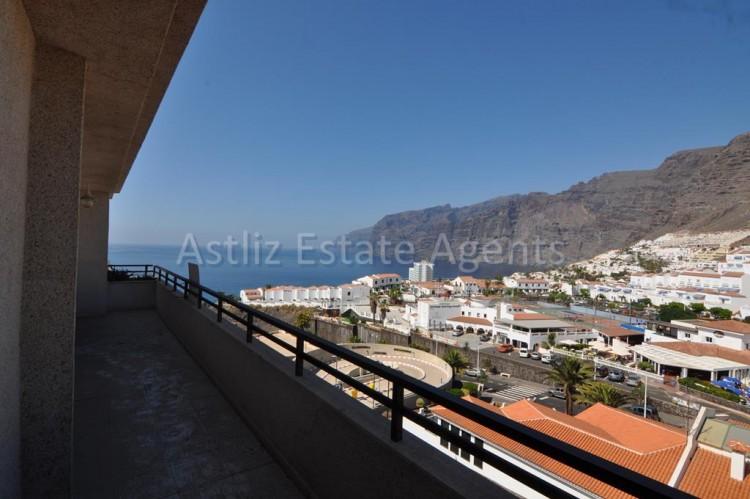 4 Bed  Flat / Apartment for Sale, Puerto De Santiago, Santiago Del Teide, Tenerife - AZ-1237 19