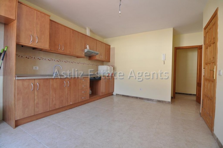4 Bed  Flat / Apartment for Sale, Puerto De Santiago, Santiago Del Teide, Tenerife - AZ-1237 3