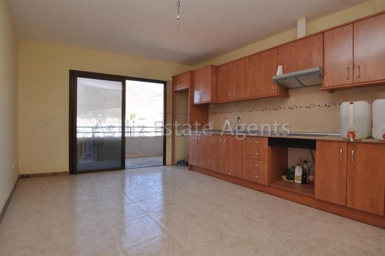4 Bed  Flat / Apartment for Sale, Puerto De Santiago, Santiago Del Teide, Tenerife - AZ-1237 4