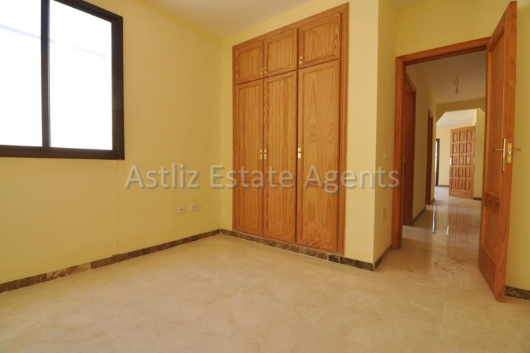 4 Bed  Flat / Apartment for Sale, Puerto De Santiago, Santiago Del Teide, Tenerife - AZ-1237 6