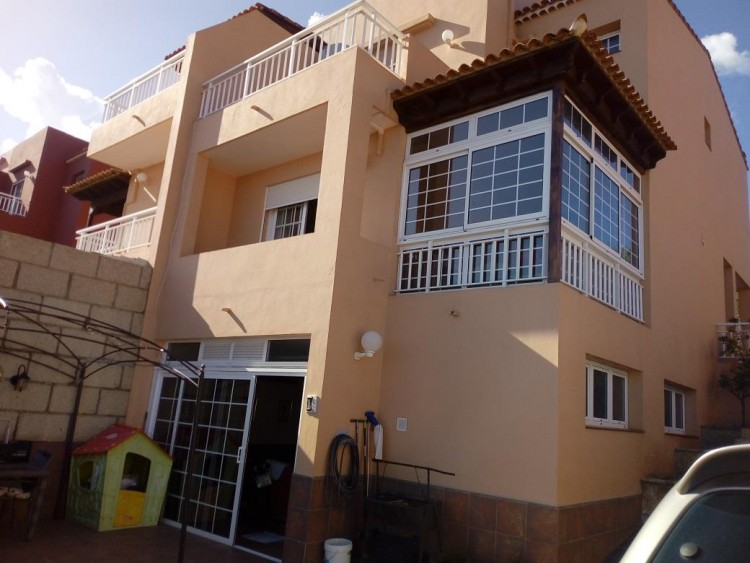 4 Bed  Villa/House for Sale, Candelaria, Tenerife - PG-AAEP1140 1