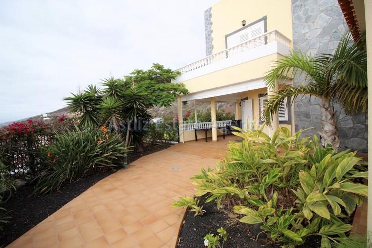 5 Bed  Villa/House for Sale, Torviscas Alto, Arona, Tenerife - AZ-1246 10