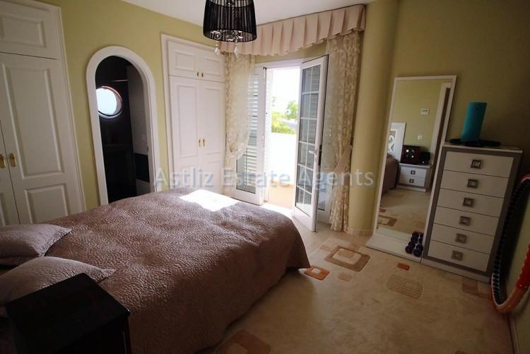 5 Bed  Villa/House for Sale, Torviscas Alto, Arona, Tenerife - AZ-1246 20