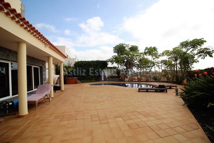 5 Bed  Villa/House for Sale, Torviscas Alto, Arona, Tenerife - AZ-1246 9