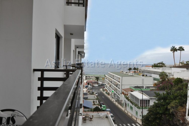 2 Bed  Flat / Apartment for Sale, Playa De La Arena, Santiago Del Teide, Tenerife - AZ-1248 3